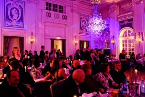 CHARITY: BLAUER BALL 2012 IM HOTEL ATLANTIC more…