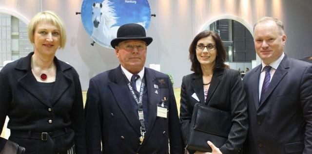 HIGHLIGHT: HansePferd 2012 – Filmbeitrag mit dem Innensenator und den Stars hautnah! more…