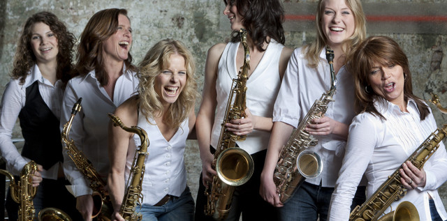 "MUSIC: Viva ""La Saxa""! Das ""männerinfizierte"" Frauenquartett more…"