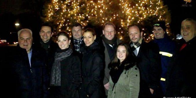 """CHARITY: Spektakuläre Aktion """"Kerzenlicht für Kinder 2013"""" – 20.000 Kerzen wurden in Hamburg für """"die-Kinderkrebsstation"""" zum Leuchten gebracht more…"""