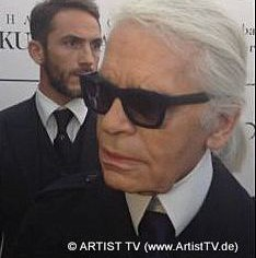 "PHOTO ART & DESIGN: Feuerbachs Musen – Lagerfelds Models – ""Karl Lagerfeld der Grosse"" in der Hamburger Kunsthalle more…"