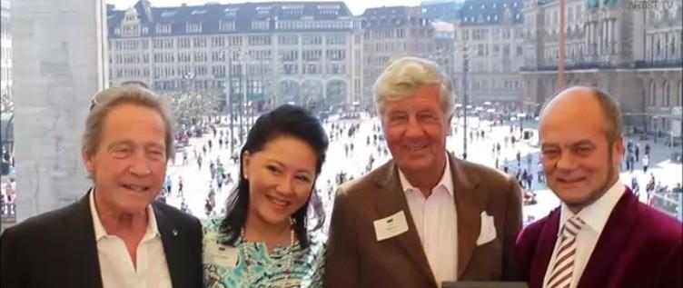 Club der Optimisten in der HANSE LOUNGE – Preisträger 2014 Corny Littmann more…