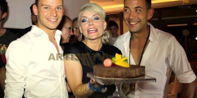 """FASHION: Stardesignerin Cindy Morawetz mit ihrem Label DREZZ 2 IMPREZZ und ihrer Show """"Crema De Verano"""" at PORT BLANC in Palma de Mallorca more…"""