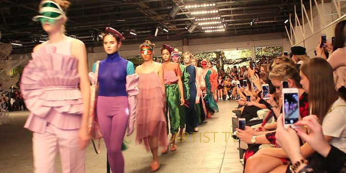 STAR-DESIGNER DAVID TOMASZEWSKI S/S 2019 – Berlin Fashion Week