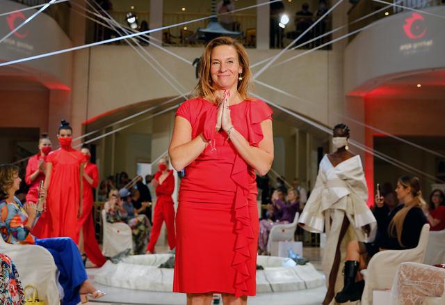 """Anja Gockel Fashionshow S21 """"ASUKA – Der Duft von Morgen"""" im Hotel Adlon Kempinski"""