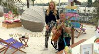 """ALOHA! Künstler-Porträt mit KAT WULFF und ihrer aktuellen Single """"TOR ZUR WELT"""" im HAMBURG del mar Beach Club"""