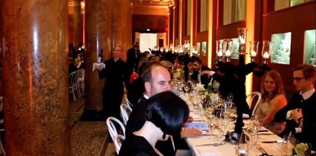 HIGHLIGHT & CHARITY: BAL MASQUE – Hamburgs feine Gesellschaft spendete für die Kunsthalle more…
