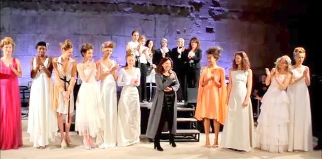 """CHARITY-FASHION SHOW: Filmbeitrag """"Haute Couture made auf VEDDEL""""  – präsentiert von Modedesignerin Sibilla Pavenstedt more…"""